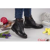 Женские ботинки AVK демисезонные без каблука кожа черные AV0044