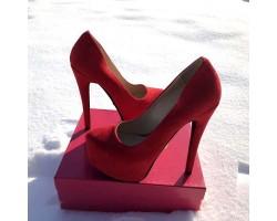 Женские туфли Louboutin красные черные KF0065