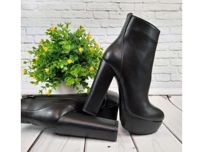 Ботинки/ботильоны  женские Liici на каблуке весна-осень черные Li0022