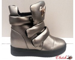 Модные сникерсы серебро, черные KF0402